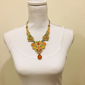 Jewelry - 🆕Colorful Bib Necklace